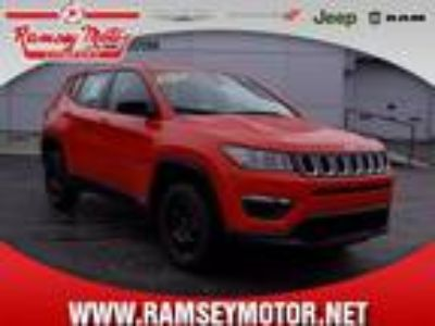 2018 Jeep Compass Orange, 15 miles