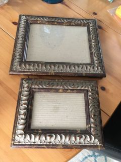 2 picture frames