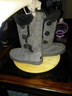 gray ugg boots