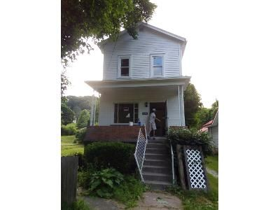 3 Bed 1 Bath Foreclosure Property in Irondale, OH 43932 - Diamond St