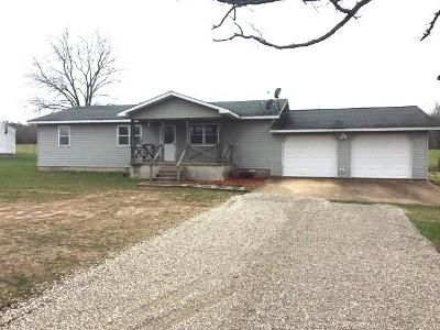 3 Bed 2 Bath Foreclosure Property in Mountain View, MO 65548 - Cr 681