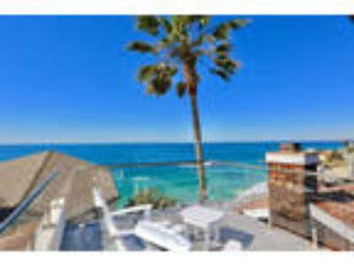 Enjoy the spectacular panoramic ocean, coastline, Catalina and white water v...