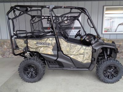 2019 Honda Pioneer 1000-5 Deluxe Side x Side Utility Vehicles Delano, MN