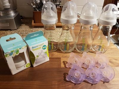 Born Free Breeze Glass Bottles & Avent Soothers - Asking 40$ (Never Used)