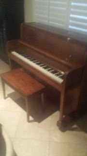 EXCELLENT CONDITION KAWAI PIANO FOR SALE