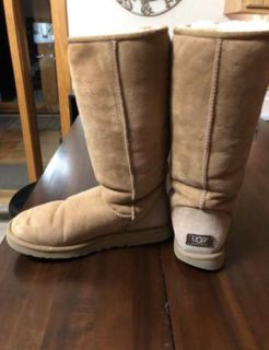 UGG women s size 10 boots