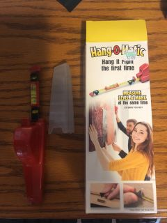 Picture hanging kit!!