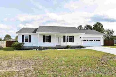 303 Parkton Drive Richlands, Great home in Cherrywoods!
