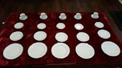 Lenox China 5 sets of Dimension II Collection in Ivory