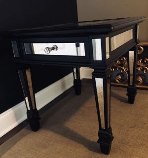 American signature mirrored end table