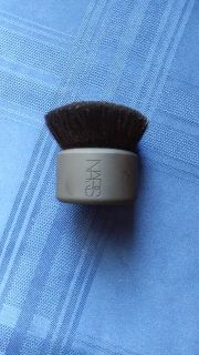 NARS POWDER FACE AND BODY BRUSH
