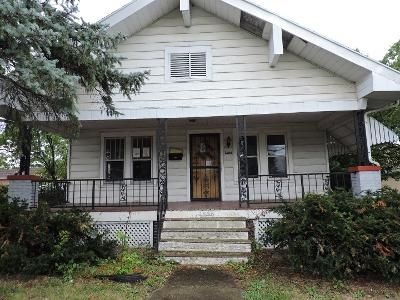 2 Bed 1 Bath Foreclosure Property in Danville, IL 61832 - E Fairchild St