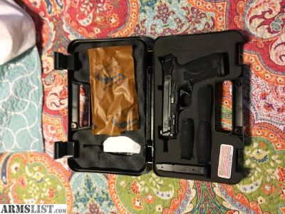 For Sale: Smith and Wesson M&P 2.0
