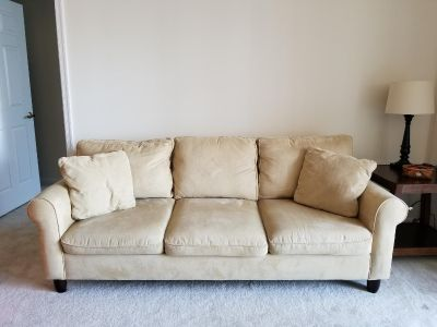 Haverty full sized couch-need to get rid of ASAP