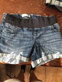 Front panel maternity jean shorts