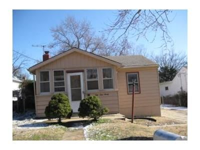 2 Bed 1 Bath Foreclosure Property in Saint Louis, MO 63135 - Dupree Ave