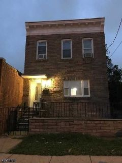 1620 S Wood Ave LINDEN Two BR, This is a well maintained 2nd