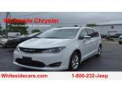 Used 2019 Chrysler Pacifica Limited in Mt. Sterling, OH