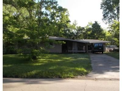 Foreclosure Property in Jackson, MS 39209 - Queen Mary Ln