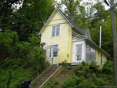 2 Bed 1 Bath Foreclosure Property in Thomaston, CT 06787 - Judson St