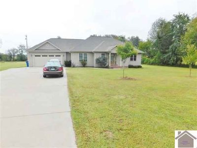 8120 State Route 1241 Hickory, Beautiful move-in ready