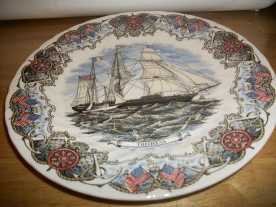 #PAN23 TALL SHIPS COLLECTABLE PLATE 10 INCHES