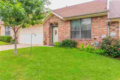 925 Heather Court WEATHERFORD Three BR, CHARMING TOWN HOME ~