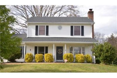 3/2.5 Renovated Home in Five Forks (Simpsonville)