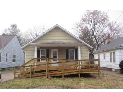 3 Bed 1 Bath Foreclosure Property in Macomb, IL 61455 - S Johnson St