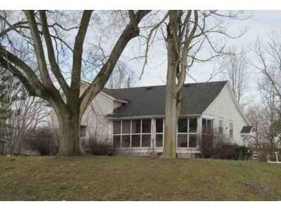 2 Bed 1.5 Bath Foreclosure Property in Spencerville, IN 46788 - N State Road 1
