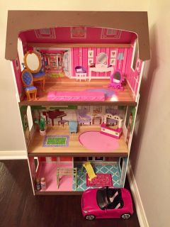 Kidcraft Dollhouse with Accessories!