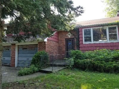 3 Bed 2.5 Bath Foreclosure Property in Wantagh, NY 11793 - Old Mill Rd