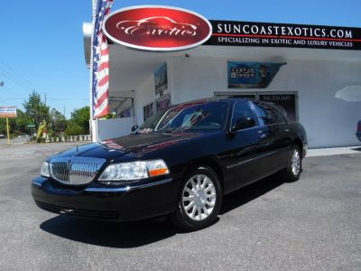 2007 Lincoln Town Car Signature Limited (Black)