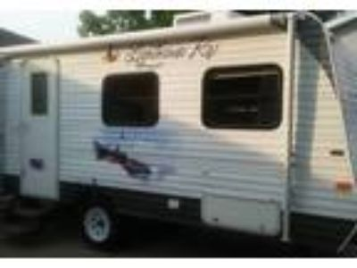 2011 Lighthouse 18RB Travel Trailer in Grand Rapids, MI