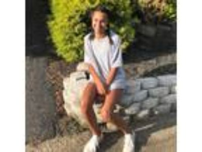 Hey! I m Cece, I m 16 years old (about to be 17) and I love working with