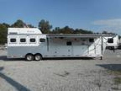 2019 Lakota Big Horn 16' Living Quarters, 9' Slide, 4 Horse 4 horses
