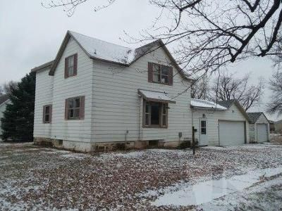 3 Bed 1.5 Bath Foreclosure Property in Hanlontown, IA 50444 - W 4th St