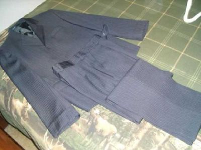 $10 Youth Suit / Jacket and pants (South Anchorage)
