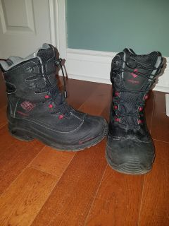 Boys winter boots size 7 USA or 6 UK Columbia Boots
