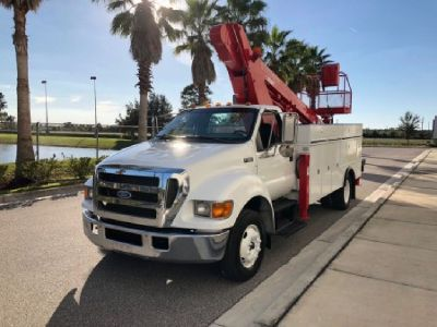 2005 Versalift LT62 Mounted On 2005 Ford F650 Chassis