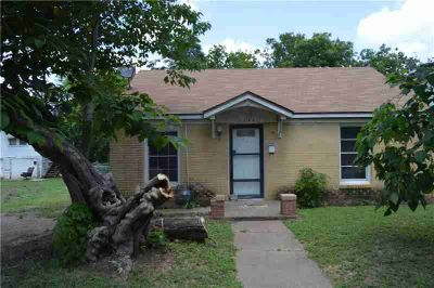1209 N 17th Street WACO Three BR, Small brick home in the up and