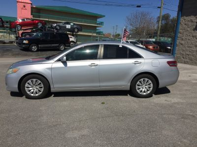 2010 Toyota Camry LE 4d  2.5l