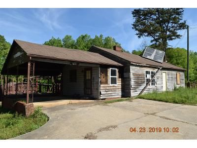 2 Bed 2 Bath Foreclosure Property in Cherryville, NC 28021 - Lincolnton Hwy