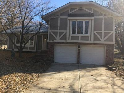 $3200 3 single-family home in Overland Park