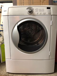 Dryer - Non functional - Free for Scrap Metal & Parts - MUST GO June 23rd A.M.