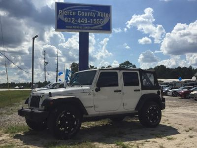 2010 Jeep Wrangler Unlimited Sport (White)
