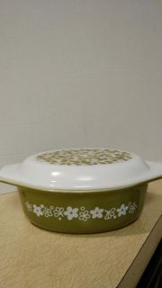 Vintage Pyrex 043 casserole with lid