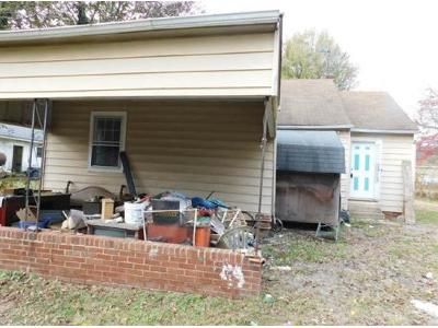 2 Bed 1 Bath Preforeclosure Property in Lexington, NC 27292 - S Ford St