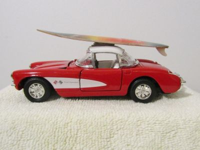 Superior 1957 Chevy Corvette Red & White Metal Diecast Friction Car SS5709 1:32