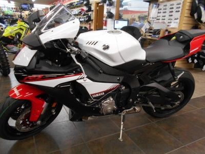 2016 Yamaha YZF-R1S SuperSport Motorcycles Belvidere, IL
